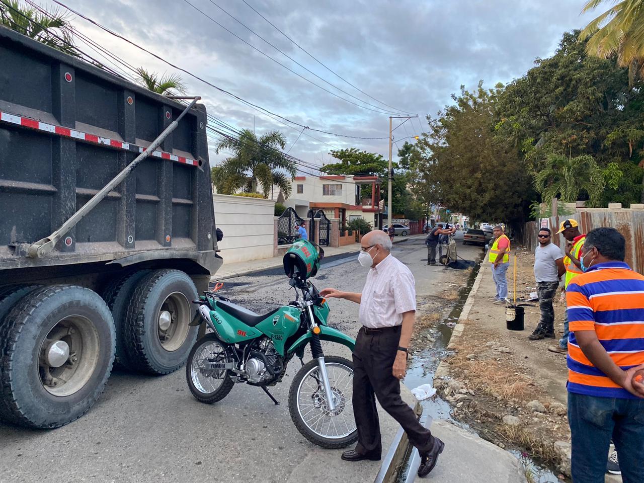 Alcadía inicia «Bacheos» en diferentes calles del Municipio